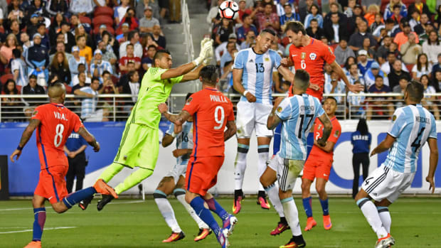 chile-argentina-copa-final-first-look.jpg