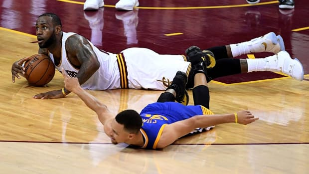 lebron-james-stephen-curry-finals.jpg