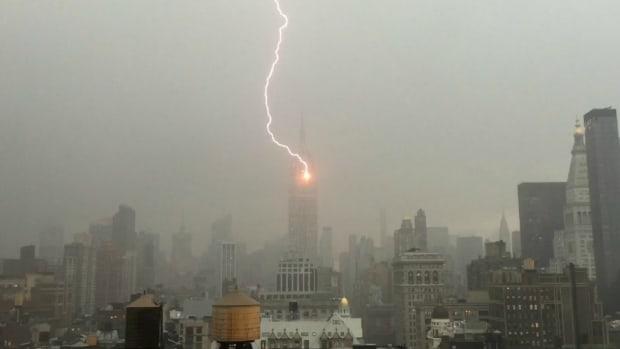 empire-state-building-noah-syndergaard-lightning.jpg