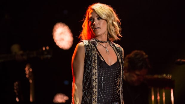 carrie-underwood-sunday-night-football-theme-song.jpg