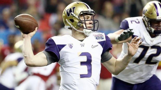 jake-browning-washington-huskies-alabama-peach-bowl-college-football-playoff.jpg