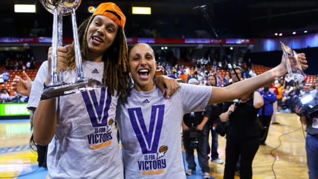 Phoenix Mercury Sweep Chicago Sky for Third WNBA Title