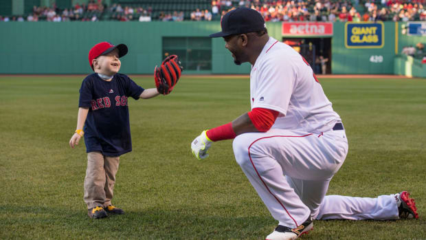 david-ortiz-meets-fan-first-pitch-video.jpg