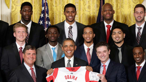 President Obama Welcomes NCAA Champs Louisville to White House