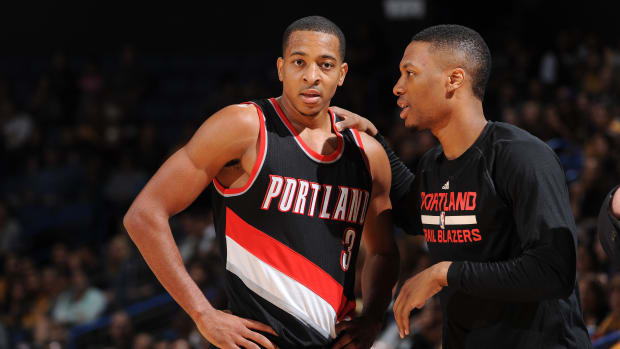 cj-mccollum-blazers-contract-extension-max.jpg