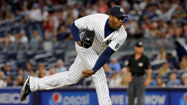 aroldis-chapman-yankees-trade.jpg