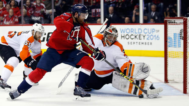 washington-capitals-philadelphia-flyers-game-5-michal-neuvirth.jpg