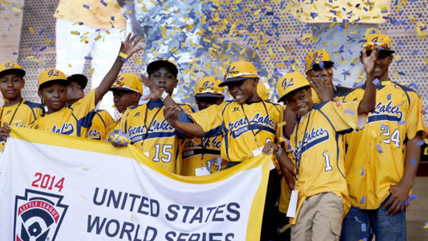 Jackie Robinson West Honored with Parade