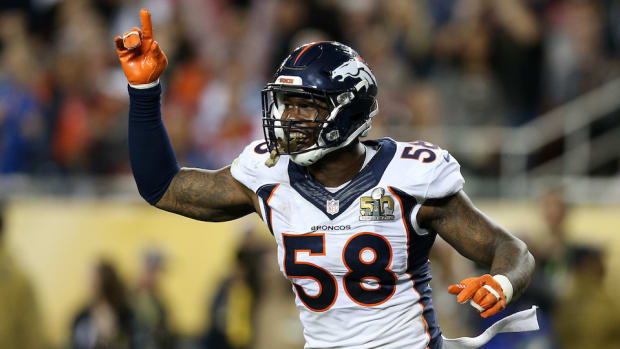 von-miller-broncos-contract-negotiation-sit-out-2016.jpg