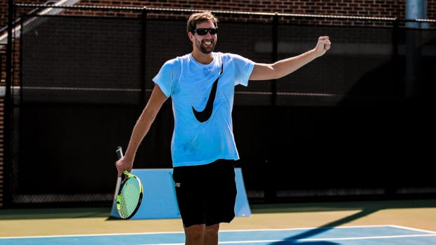 dirk-tennis-top.jpg