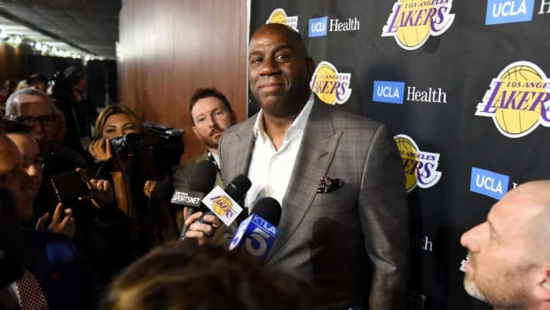magic_johnson_lakers_.jpg