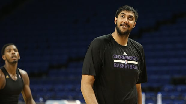 Sim Bhullar Becomes First NBA Player of Indian Descent