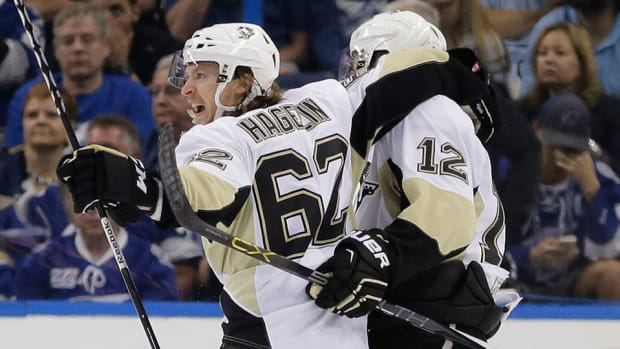 stanley-cup-playoffs-pittsburgh-penguins-tampa-bay-lightning-game-3.jpg