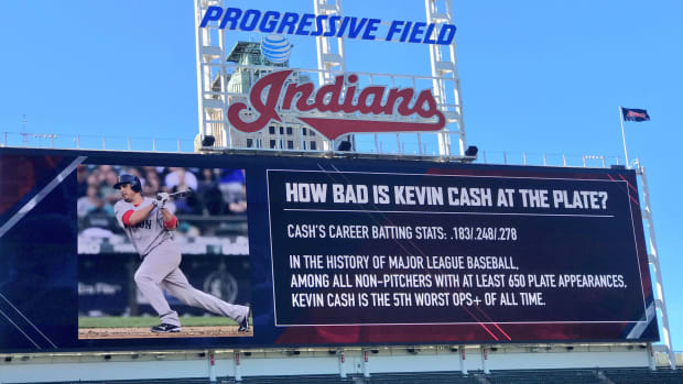 terry-francona-kevin-cash-scoreboard-prank-photo.jpg