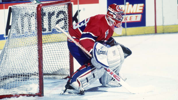 patrick-roy-influential-modern-nhl-butterfly-960.jpg