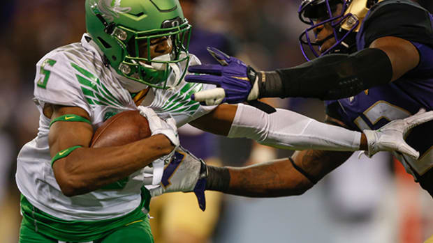 Washington and Oregon Have a Fierce Gridiron Rivalry