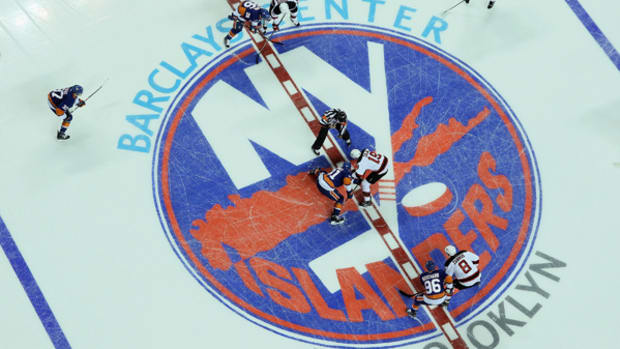 Islanders and Devils Play First-Ever NHL Game in Brooklyn
