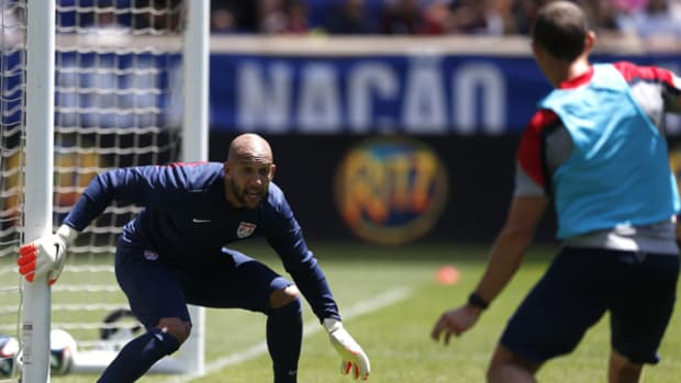 2014 World Cup: USMNT Goalkeeper Tim Howard is a Gamer, On and Off the Field