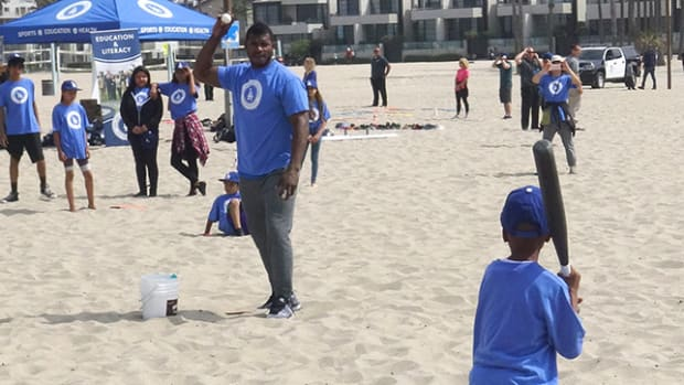 dodgers-beach-play-ball-header.jpg