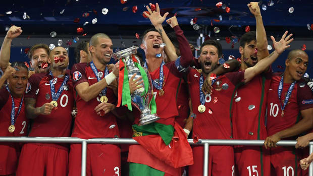 portugal-wins-euro-2016-ronaldo.jpg
