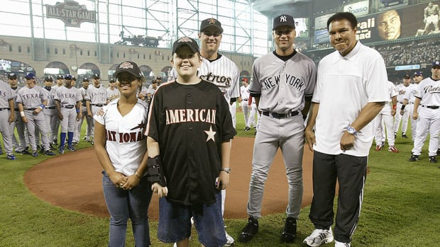 muhammad-ali-derek-jeter-mlb-all-star-game.jpg