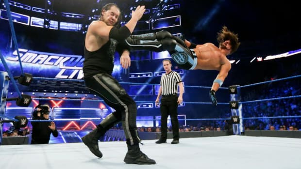 wwe-smackdown-tv-deal-college-football-media-rights-contracts.jpg