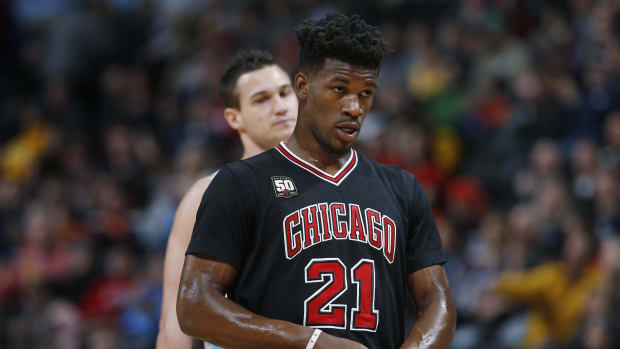 jimmy-butler-bulls-knee-injury.jpg