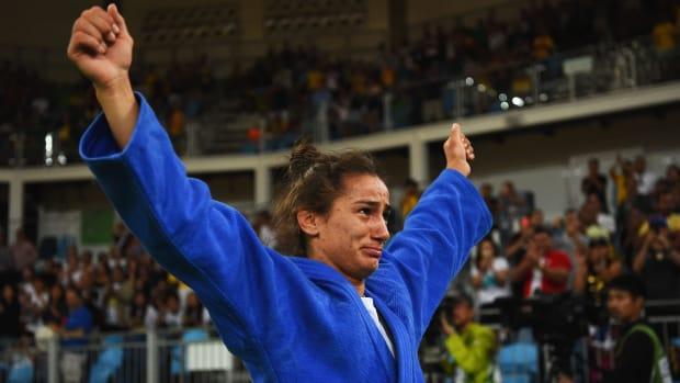 kosovo-majlinda-kelmendi-judo-first-olympic-medal.jpg