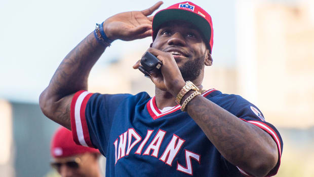 lebron-james-congratulates-indians.jpg