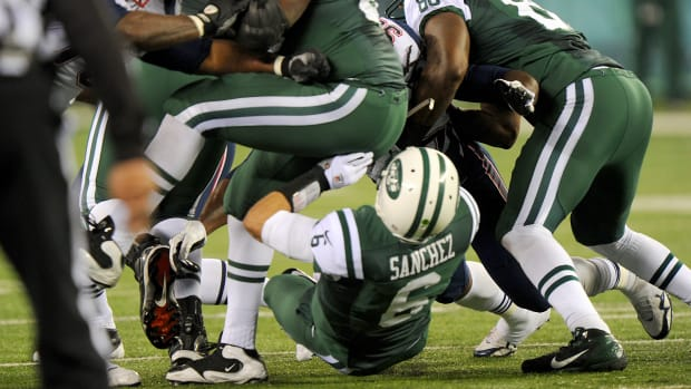 sanchez-butt-fumble-thanksgiving.jpg