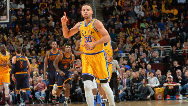 golden-state-warriors-stephen-curry-students-water.jpg