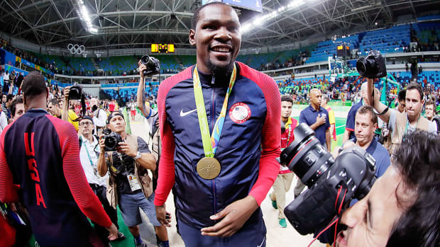 kevin-durant-usa-basketball-gold-medal-2016-rio-olympics.jpg