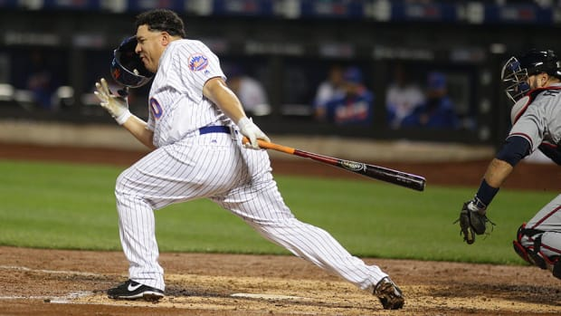 mets-bartolo-colon-batting-helmet-video.jpg