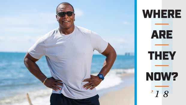 ahmad-rashad-beach-where-are-they-now.jpg