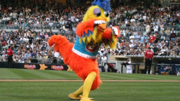 Back in Time: April 15 - 1 - San Diego Chicken