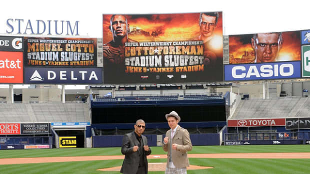 Memorable Fights at Yankee Stadium - 1 - Yuri Foreman vs. Miguel Cotto