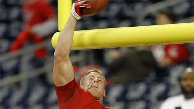 jj-watt-houston-texans-basketball.jpg