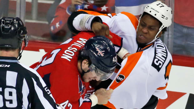 washington-capitals-philadelphia-flyers-series-game-1-fights-highlights.jpg