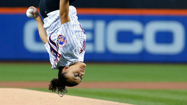 laurie-hernandez-first-pitch-mets.jpg
