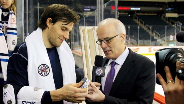 HNIC-towel-Jonathan-Kozub-NHLI.jpg