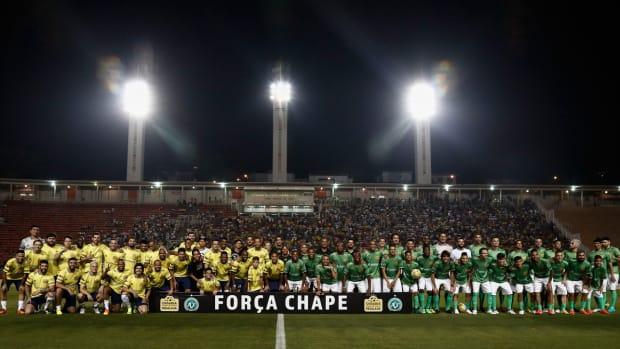 chapecoense-charity-match-neymar-robinho.jpg