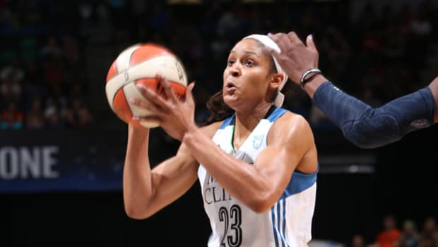 Maya Moore Drops 48 Points on Dream