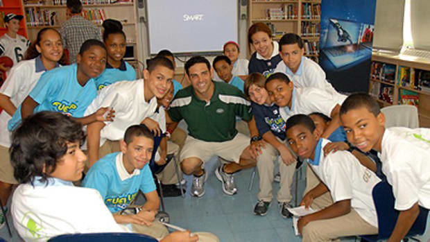 New York Jets QB Mark Sanchez Urges Kids to Eat Right and Exercise
