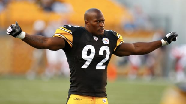 pittsburgh-steelers-james-harrison-medicine-ball-volleyball.jpg