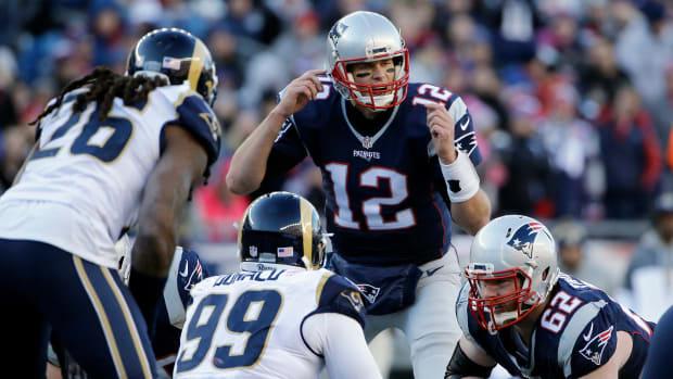 patriots-tom-brady-peyton-manning-career-wins.jpg