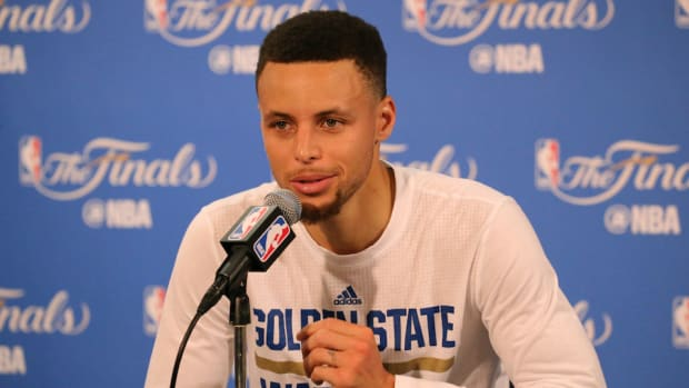 stephen-curry-warriors-camp-surprises-kids-video.jpg