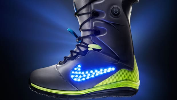 Nike's New Snowboard Boots Light Up the Halfpipe