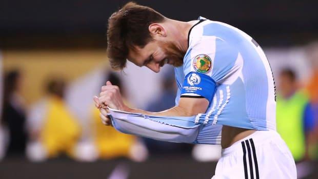 messi-retire-argentina.jpg