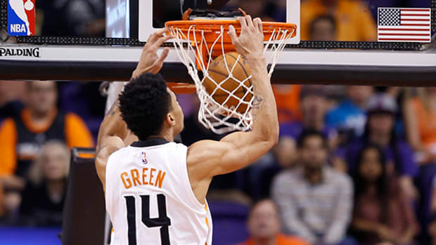 Suns' Gerald Green Sets Himself Up for an Epic Dunk