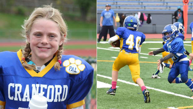 Young Athlete Doesn't Let Diabetes Stop Her From Playing Football
